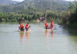 乡村乐农庄—水上竹筏比赛