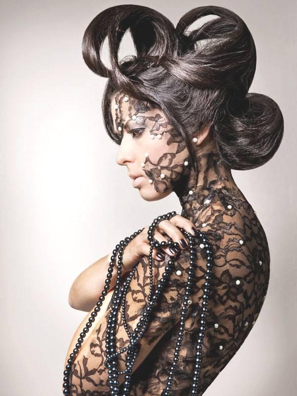 女性人体彩绘