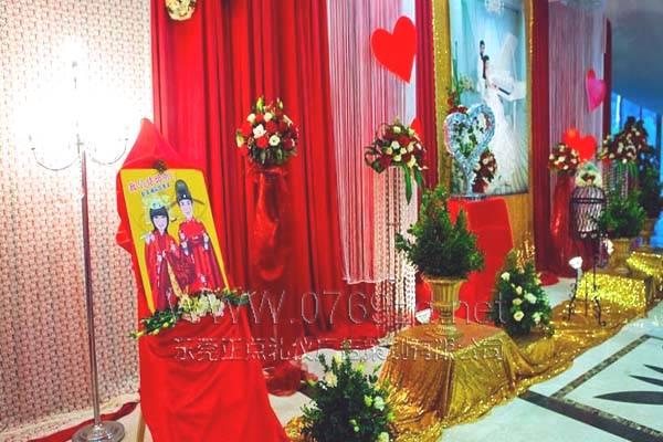 婚礼现场过道装饰