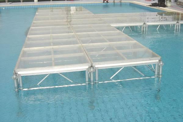 水上玻璃舞台
